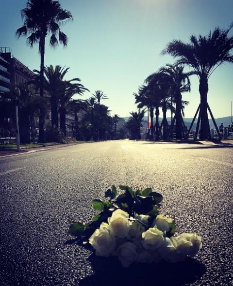 Les fleuristes du département présent pour rendre hommage aux victimes du 14 Juillet à Nice