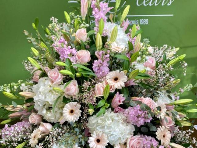 Réalisation de fleurs pour du deuil par votre fleuriste créateur Fior Fleurs à Nice